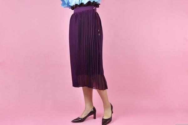 冬の華やぎスタイルは「鮮やかスカート」がポイント