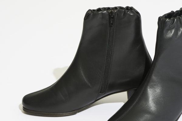 冬のスタイルアップはショートブーツが救世主。『ANN THOMAS(アン・トーマス)』が叶える、フェミニンな足元
