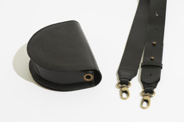 3WAYで楽しめるウエストバッグで、 冬コーデのマンネリから脱出!