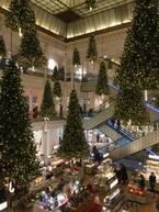 世界最古のデパートで、クリスマスムードを堪能。【Nahoのおパリ文化回覧帳 vol.14】