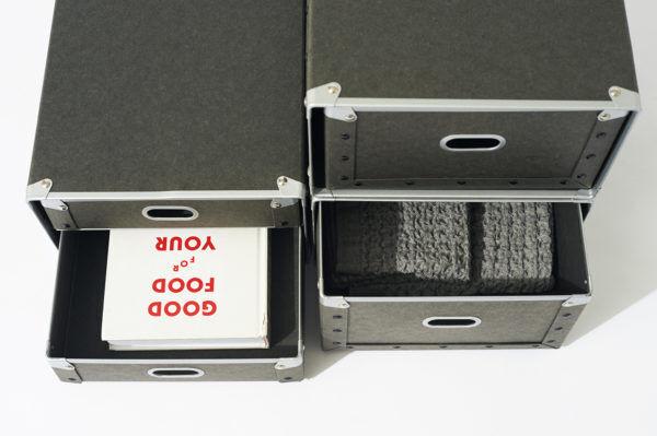 邪魔なコンセント類もすっきり収納!片づけ上手に愛用される硬質パルプボックス