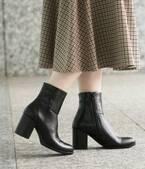 スカート、パンツ共に相性◎スタイルアップも叶える優秀「ショートブーツ」
