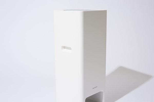 『BALMUDA(バルミューダ)』から、シンプルを追求した空気清浄機がデビュー。
