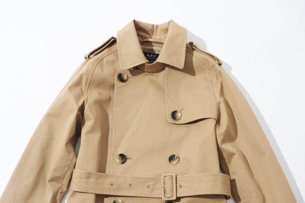 スーツからデニムまで、春トレンチさえあれば!『A.P.C.』のトレンチコートで添える、フレンチエッセンス