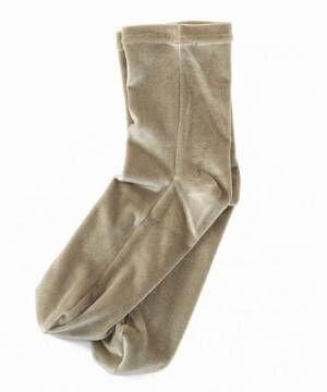 ボトムからちらりと覗かせて。ショップ一押しの「靴下」で、オシャレ上級者に