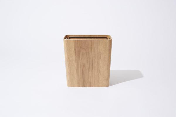 美しい木目がインテリアになじむ無印良品のミニマルなゴミ箱