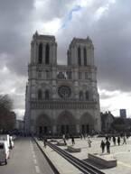 パリ・ノートルダムに祈る