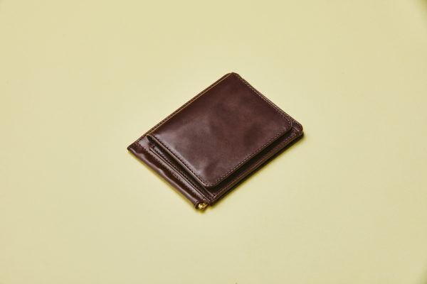 バッグを選ばずに使える! シンプル&コンパクトな『GLENROYAL』のレザーウォレット5選