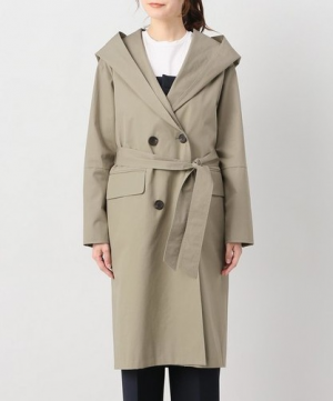 フードが作るカジュアルな雰囲気。大人っぽく着こなせる「フーデッドコート」5選