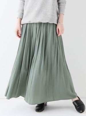 まずはボトムから取り入れてみて!今年大注目のカラー「グリーン」のスカート