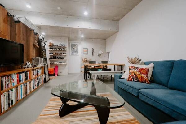 【私らしく暮らす】 シンプルな45㎡の広々ワンルーム、自分で空間を作っていく、悠々自適な一人暮らし【プチDIY女子達のお部屋案内】
