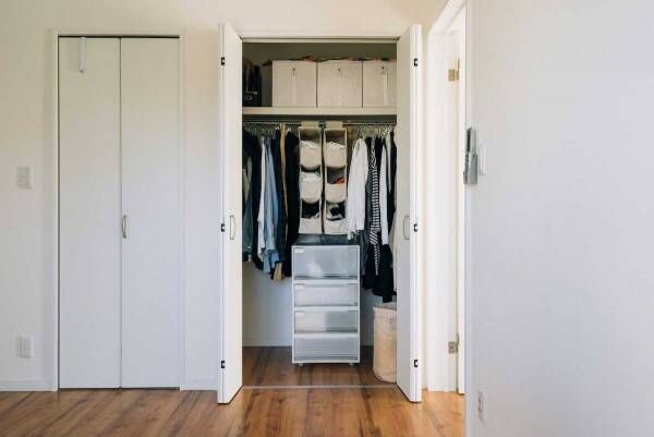 少ない荷物ですっきり暮らす収納ルールまとめ…シンプルに暮らす秘訣【プチDIY女子達のお部屋案内】