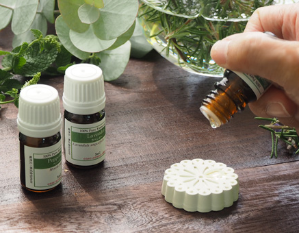 花粉症から身を守る!Qoo10で人気の「対策グッズ」を紹介