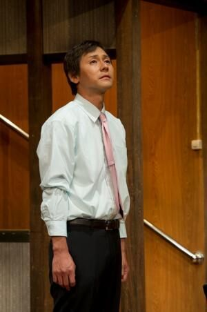 ヒロシが気弱な弁護士に!? 手練の土田英生演出で魅せるコメディ