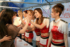 AFTERSCHOOL、a-nation大阪会場でハイタッチ会