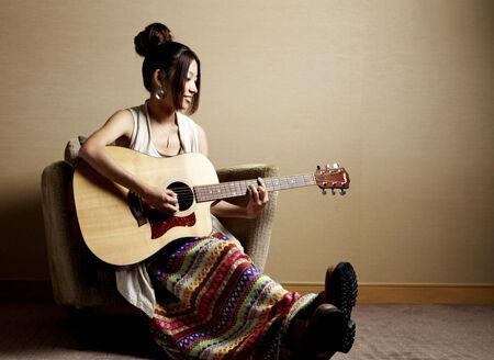 札幌から羽ばたく注目のシンガーソングライター、Rihwa。初のワンマンライブが決定