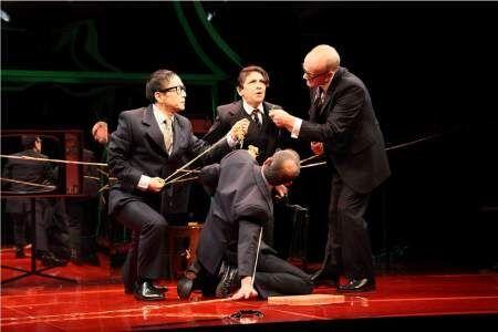 野田秀樹の舞台『THE BEE』がニューヨークで開幕!