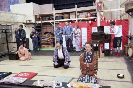 井上ひさしの作品世界に高畑淳子が挑む! 『雪やこんこん』稽古場レポート