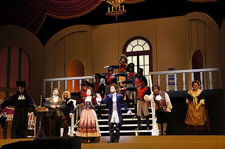 「喜劇でオペラの楽しさを」人気テノール・錦織健のプロデュースオペラ『セビリアの理髪師』が開幕