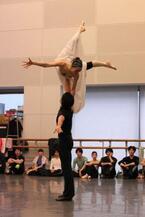 ロシア・バレエ界の鬼才、エイフマンの『アンナ・カレーニナ』を新国立劇場バレエ団が上演