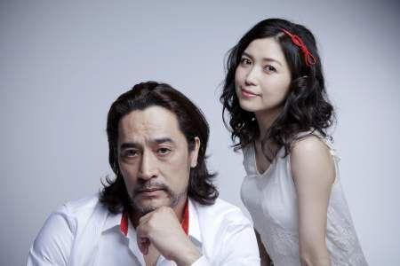 橋本さとしと新妻聖子が共演する新作ミュージカルは、甘くほろ苦い愛の物語