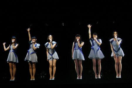 Perfumeが6人になった!? ヒカリエでスペシャルライブを開催