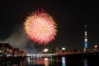日本最古の『隅田川花火』と新名所『東京スカイツリー』が初共演