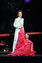 宝塚歌劇花組で『星の王子さま』を描いたサン=テグジュペリの物語が開幕!
