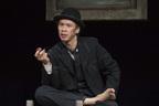 ケラ&大倉孝二の演出・主演コンビで、伝説のひとり芝居『ゴドーは待たれながら』を上演