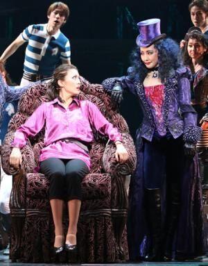 安蘭けいの2014年版『アリス~』、いよいよ開幕