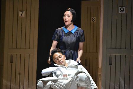 野田秀樹が近代史の光と影に迫る『エッグ』開幕