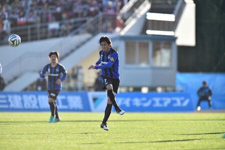勝利に導くのはG大阪・遠藤か浦和・柏木か
