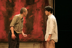 舞台『RED』開幕!小栗旬、田中哲司がコメント