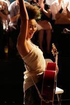 LOVE、ドラマー刄田綴色とのセッションライブ開催