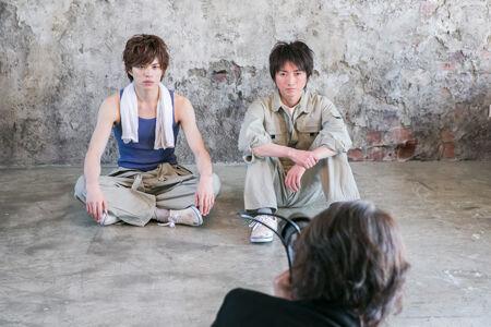 (画像左から)山本裕典、藤原竜也撮影:福井麻衣子