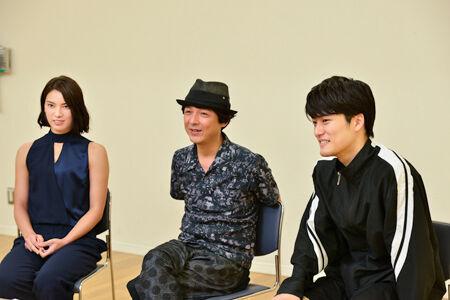 左から、秋元才加、河原雅彦、入江甚儀撮影:源 賀津己