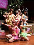 ビキニで芝居! 堤幸彦演出『上野パンダ島ビキニーズ』