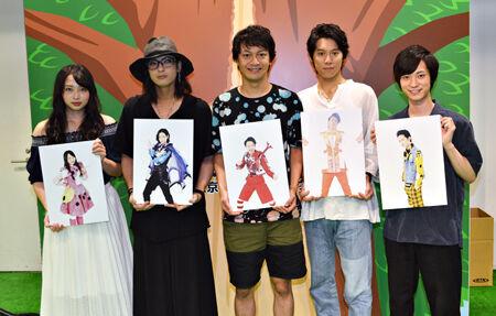 (画像左から)須藤茉麻、斉藤秀翼、海老澤健次、伊勢大貴、百瀬朔