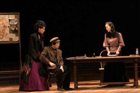 舞台『ワーニャ伯父さん』開幕撮影:加藤孝