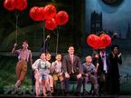 ブロードウェイミュージカル『ファインディング・ネバーランド』開幕。観客、大喝采!