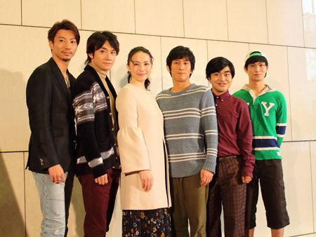 会見より。左から、矢崎広、良知真次、ミムラ、成河、加藤諒、松田凌