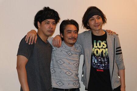 左から、佐藤祐基、加藤虎ノ介、細貝圭
