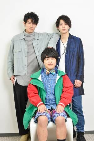 左から、青木玄徳、加藤諒、佐奈宏紀撮影:源賀津己
