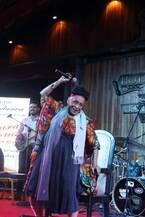 奇跡の来日公演を控えるオマーラ・ポルトゥオンド、現地ライブレポートが到着!