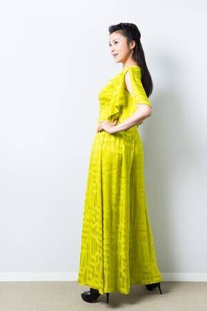 衣装:TAE ASHIDA撮影:森好弘