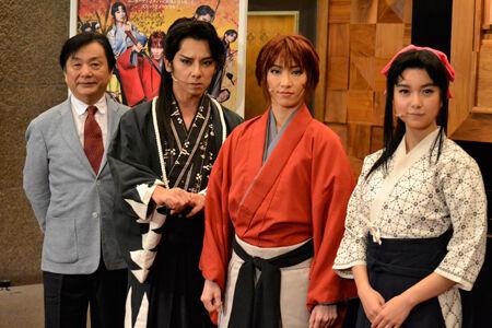 浪漫活劇「るろうに剣心」囲み取材より (画像左から)小池修一郎、松岡充、早霧せいな、上白石萌歌