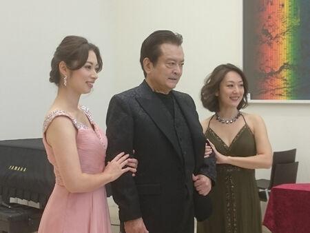 二期会『後宮からの逃走』記者会見より(画像左から)冨平安希子、大和田伸也、安田麻佑子
