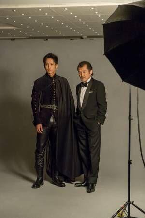 (画像左から)松坂桃李、吉田鋼太郎