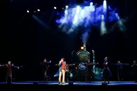 松本零士「自分の少年の日からの夢が…」。舞台『銀河鉄道999』いよいよ出発!