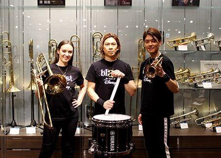 左から、リサ・ライザネック・チャペル、石川直、米所裕夢